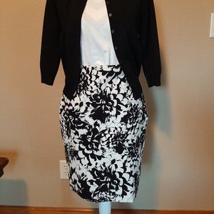Ann Taylor Black and White Floral Pencil Skirt